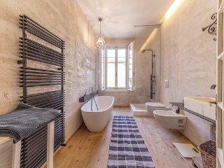 6 bedroom Villa in Pacengo, Lake Garda, Italy : ref 2382671 - Pacengo vacation rentals