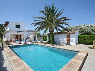 2 bedroom Villa in Puerto Pollenca, Mallorca : ref 3764 - Port de Pollenca vacation rentals