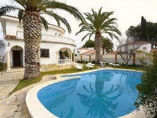 4 bedroom Villa in Miami Platja, Costa Daurada, Spain : ref 2396139 - Mont-roig del Camp vacation rentals