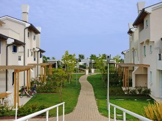 3 bedroom Villa in Caorle, Veneto, Italy : ref 2396072 - Porto Santa Margherita vacation rentals