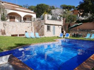 5 bedroom Villa in Tordera, Costa Brava, Spain : ref 2396009 - Fogars de la Selva vacation rentals