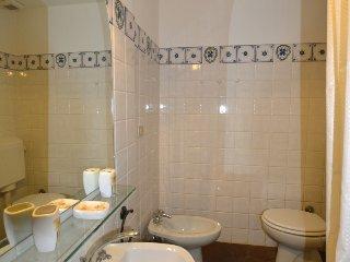 4 bedroom Villa in Gaiole in Chianti, Tuscany Chianti, Italy : ref 2395900 - Gaiole in Chianti vacation rentals