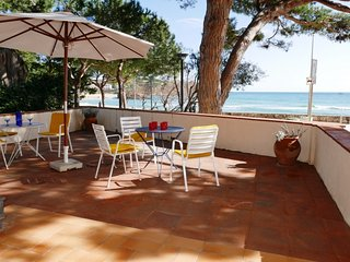 5 bedroom Villa in Palamos, Costa Brava, Spain : ref 2395878 - Palamos vacation rentals