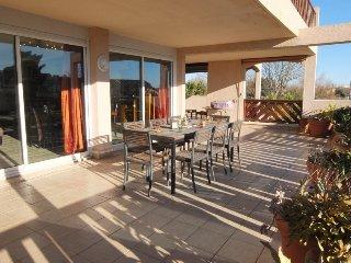 3 bedroom Apartment in Saint Cyprien, Pyrenees Orientales, France : ref 2395660 - Saint-Cyprien vacation rentals