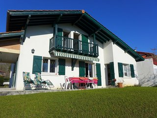 3 bedroom Villa in Saint Pee sur Nivelle, Basque Country, France : ref 2395641 - Saint-Pee-sur-Nivelle vacation rentals