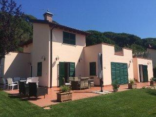 4 bedroom Villa in Elba Marina di Campo, Elba Island, Italy : ref 2395394 - Campo nell'Elba vacation rentals