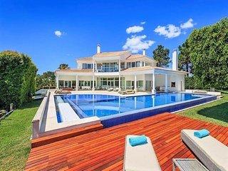 4 bedroom Villa in Quinta do Lago, Algarve, Portugal : ref 2395174 - Almancil vacation rentals