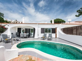 3 bedroom Villa in Vale do Lobo, Algarve, Portugal : ref 2395146 - Almancil vacation rentals