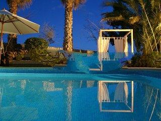 5 bedroom Villa in Sant Llorenç Des Cardassar, Mallorca, Mallorca : ref 2394855 - Porto Cristo vacation rentals