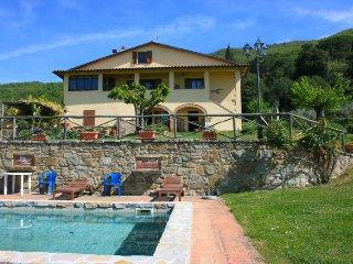 4 bedroom Villa in San Giustino Valdarno, Tuscany, Italy : ref 2394722 - San Giustino Valdarno vacation rentals