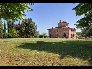 5 bedroom Villa in Lucignano, Tuscany, Italy : ref 2394713 - Guazzino vacation rentals