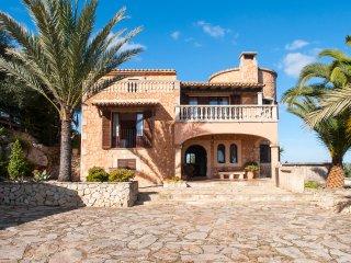 4 bedroom Villa in Cala d'Or, Mallorca, Mallorca : ref 2394694 - Cas Concos vacation rentals