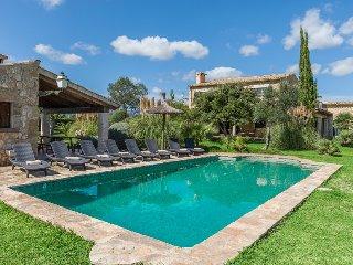 4 bedroom Villa in Alcúdia, Mallorca, Mallorca : ref 2394688 - Alcudia vacation rentals