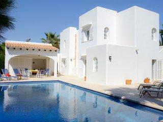 5 bedroom Villa in Cala d'Or, Mallorca, Mallorca : ref 2394658 - Cala d'Or vacation rentals