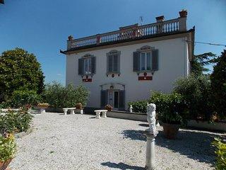 3 bedroom Villa in Ponzalla, Tuscany Ne, Tuscany, Italy : ref 2387370 - Luco Mugello vacation rentals