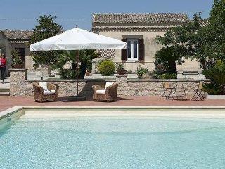 3 bedroom Apartment in Modica, Sicily, Italy : ref 2386880 - Cannizzara vacation rentals