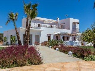 6 bedroom Villa in Santa Eulalia, Santa Eulalia, Ibiza : ref 2385360 - Es Canar vacation rentals