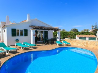 Bright 3 bedroom Villa in Cala'n Bosch - Cala'n Bosch vacation rentals