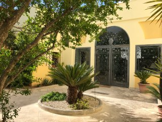 Historical farmhouse with garden in Salento - San Pietro Vernotico vacation rentals