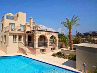 Exclusive Luxury Villa - Private Beach - Jaccuzi - Private Pool - Games Room - Polis vacation rentals