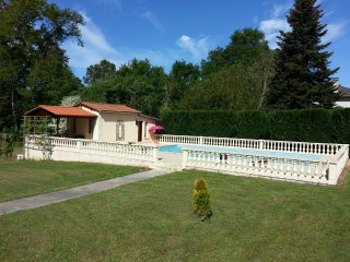 1 bedroom House with Shared Outdoor Pool in Salleboeuf - Salleboeuf vacation rentals