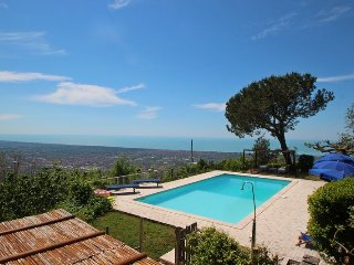 Bright 5 bedroom Vacation Rental in Strettoia - Strettoia vacation rentals