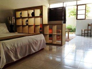 Cozy Condo with Microwave and Patio - Praia vacation rentals