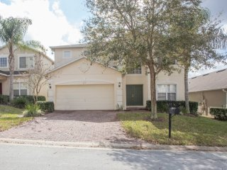 Charming and affordable 4 bedroom 3 bath home from $120nt - Orlando vacation rentals