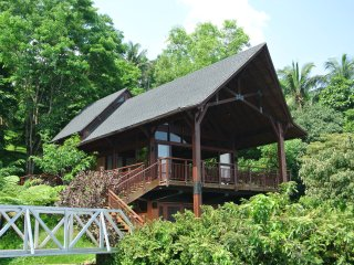 Lovely Lodge with Deck and Internet Access - Kalayaan vacation rentals