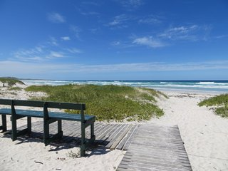 Comfortable 2 bedroom Cottage in Pearly Beach - Pearly Beach vacation rentals