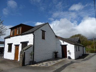 Wonderful 2 bedroom Cottage in Pennal - Pennal vacation rentals