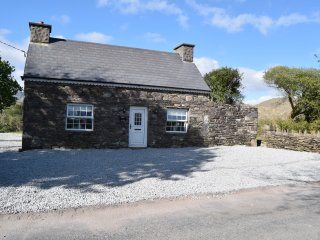 Annie's Cottage - Ring of Kerry Sneem / Castlecove Wild Atlantic Way - Sneem vacation rentals