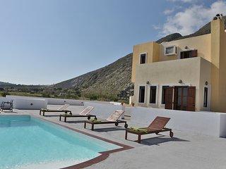 The SKYFALL – 4 Double Bed Villa - Black Beach - Perissa vacation rentals