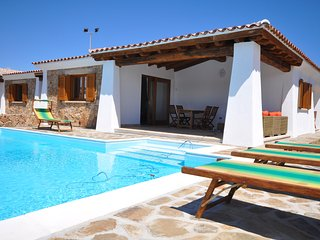 Villa Antea , PRIVATE HEATED POOL, 500 meters from the beach - Budoni vacation rentals