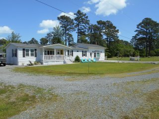 Nice House with Internet Access and A/C - Gwynn vacation rentals