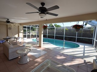 Nice 4 bedroom House in Naples Park - Naples Park vacation rentals