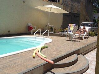 Casa residencial com todo conforto, churrasqueira, piscina, amplo quintal e etc. - Sao Pedro Da Aldeia vacation rentals