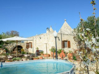 4 bedroom Trullo with Children's Pool in Casalini di Cisternino - Casalini di Cisternino vacation rentals