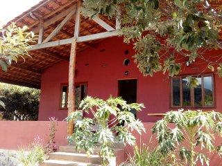 Casa Mãe Vida Nova - um pequeno paraíso de sossego no Vale do Capão! - Vale do Capao vacation rentals