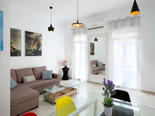 Bright 2 bedroom Alicante Apartment with A/C - Alicante vacation rentals