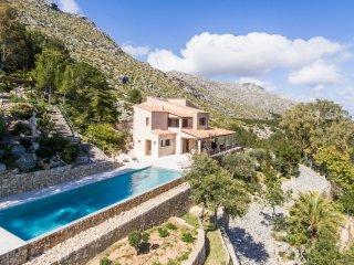 La Font - stunning villa for ten in residential area of Pollença old town - Pollenca vacation rentals