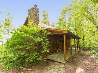 Adorable 3 bedroom Old Fort House with Deck - Old Fort vacation rentals