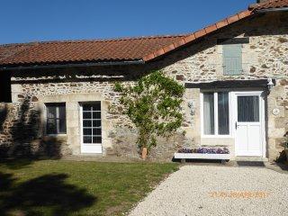 French Cottage on Charente lake (Jasmine cottage) - Lesignac-Durand vacation rentals