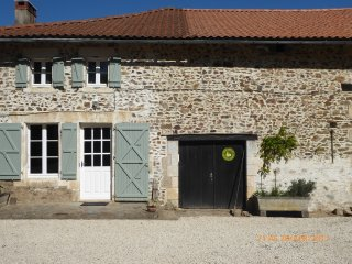 Lakeside, Charente cottage (Wisteria cottage) - Lesignac-Durand vacation rentals