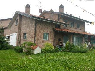 Room Eleonora BnB Casa dei Camini - Bentivoglio vacation rentals