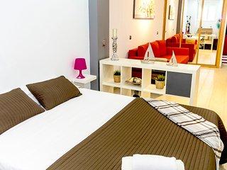 Modern Flat in central Madrid - Chueca - Madrid vacation rentals