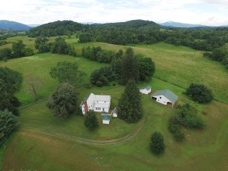 Lovely Farmhouse Barn with Internet Access and Wireless Internet - Sperryville vacation rentals