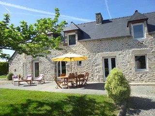 Beautiful property, very near to 11 sandy beaches, Dinan, Dinard and St Malo - Saint-Jacut-de-la-Mer vacation rentals
