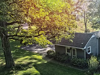 Convenient Studio with Television and DVD Player - Timberlake vacation rentals