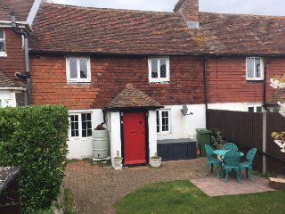 2 bedroom Cottage with Washing Machine in Seaford - Seaford vacation rentals